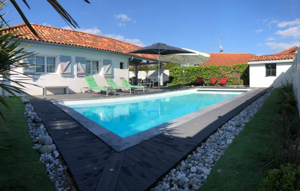 Holiday rental villa in Capbreton for 14 from Agence Petit